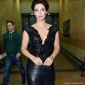 Подробнее: Лидия Вележева устроила скандал в самолете