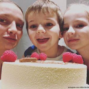 Подробнее: Екатерина Вилкова поделилась фото с детьми в честь семейного праздника