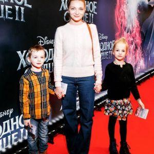 Подробнее: Екатерина Вилкова гордится успехами 7-летней дочери