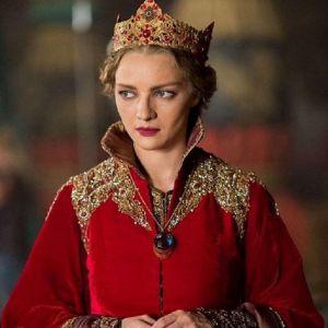 Подробнее: Екатерина Вилкова похожа на русскую княжну в сказке «Последний богатырь»