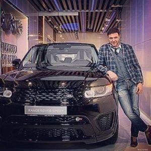 Подробнее: Максим Виторган приревновал машину к личному водителю