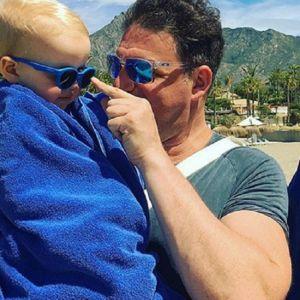 Подробнее: Максим Виторган на отдыхе учит читать 3-летнего сына