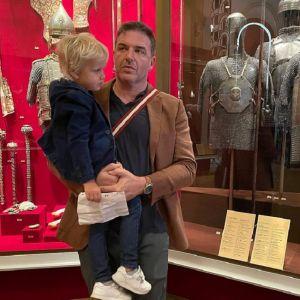 Подробнее: Максим Виторган сводил 4-летнего сына в  Оружейную палату