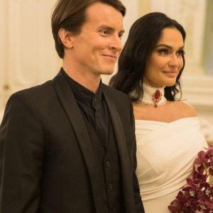 Подробнее: Алена Водонаева рассказала о своем втором браке и разводе