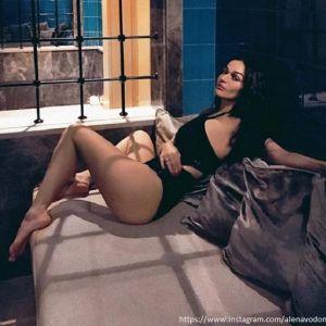 Подробнее: Алена Водонаева ради красоты посадила на лицо гигантских улиток