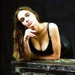 Подробнее: Алена Водонаева уже три раза хотела уменьшить грудь