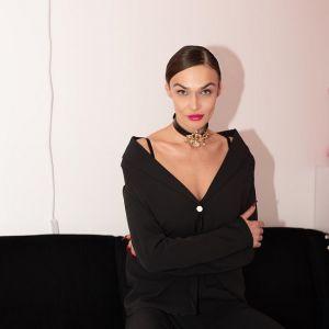 Подробнее: Алена Водонаева скрывает лицо на улице после скандала