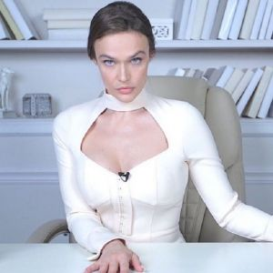 Подробнее: Алена Водонаева устроила драку с Викторией Боней