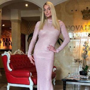 Подробнее: Анастасия Волочкова из-за шпагата останется без подписчиков