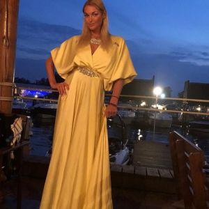 Подробнее:  Анастасия Волочкова сделала аборт из-за матери