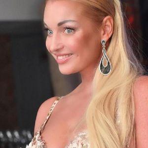 Подробнее: Анастасия Волочкова заказала свадебное платье почти за двадцать миллионов