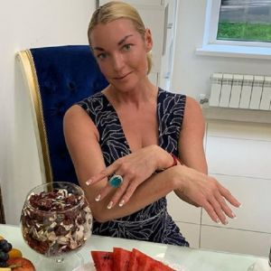 Подробнее: Анастасия Волочкова судится из-за двадцати своих квартир