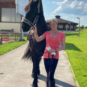Подробнее: Анастасия Волочкова поделилась совместными кадрами с дочерью