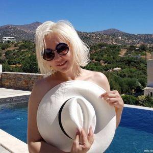 Подробнее: Василиса Володина показала фигуру в купальнике