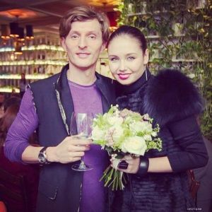 Подробнее: Павел Воля заботится о Ляйсан Утяшевой, как о своей дочке