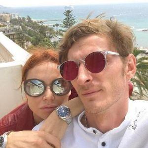 Подробнее: Павел Воля поделился семейным фото с детьми и женой