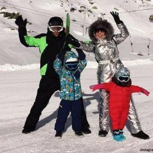 Подробнее: Павел Воля с Ляйсан Утяшевой приобщили детей к горным лыжам в Австрии