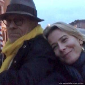 Подробнее: Юлия Высоцкая обвенчалась с Андреем Кончаловским после 21года брака
