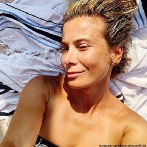Подробнее: Юлия Высоцкая показала пляжные фото с мужем с отдыха во Франции