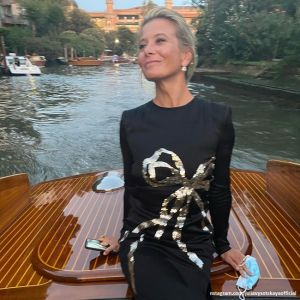 Подробнее: Юлия Высоцкая поделилась трогательными кадрами с мужем из Венеции