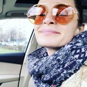 Подробнее: Жена Филиппа Янковского Оксана Фандера сделала пирсинг (видео)