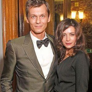 Подробнее: Филипп Янковский с Оксаной Фандерой отмечают жемчужную свадьбу