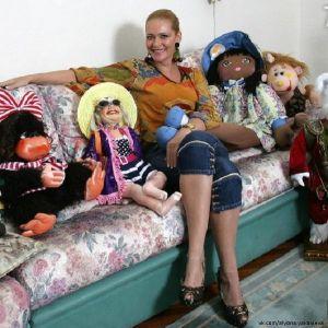 Подробнее: Алена Яковлева отменила майские спектакли из-за травмы