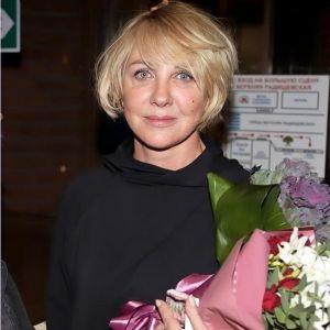 Подробнее: Елена Яковлева сменила имидж и стала похожа на Кудрявцеву