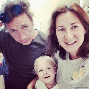 Подробнее: Александр Яценко вынужден был сам принимать роды у своей жены