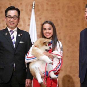Подробнее: Алина Загитова поделилась впечатлениями от общения с японской собачкой акита-ину
