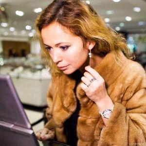 Подробнее: Елене Захаровой помогли преодолеть горе  любимая работа и батюшка.