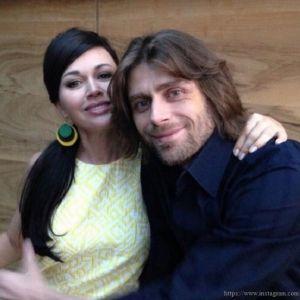 Подробнее: Режиссер «Моей прекрасной няни» сомневается, что Анастасия Заворотнюк сама родила дочь