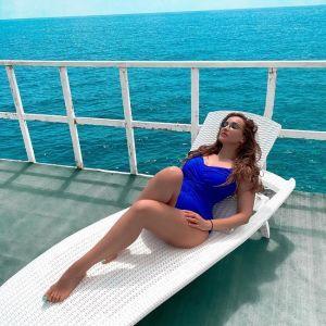 Подробнее: Анфиса Чехова поделилась фото в купальнике у бассейна