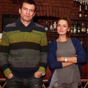 Подробнее: Андрей Чернышов не разлучается с женой даже на работе